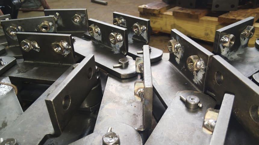 ナット溶接|製作実績|フェニックス工業