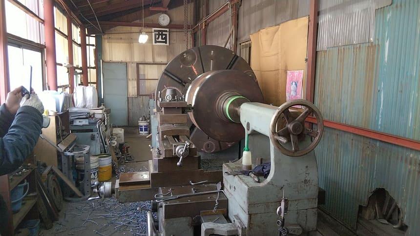 大型旋盤によるローラー切断|製作実績|フェニックス工業